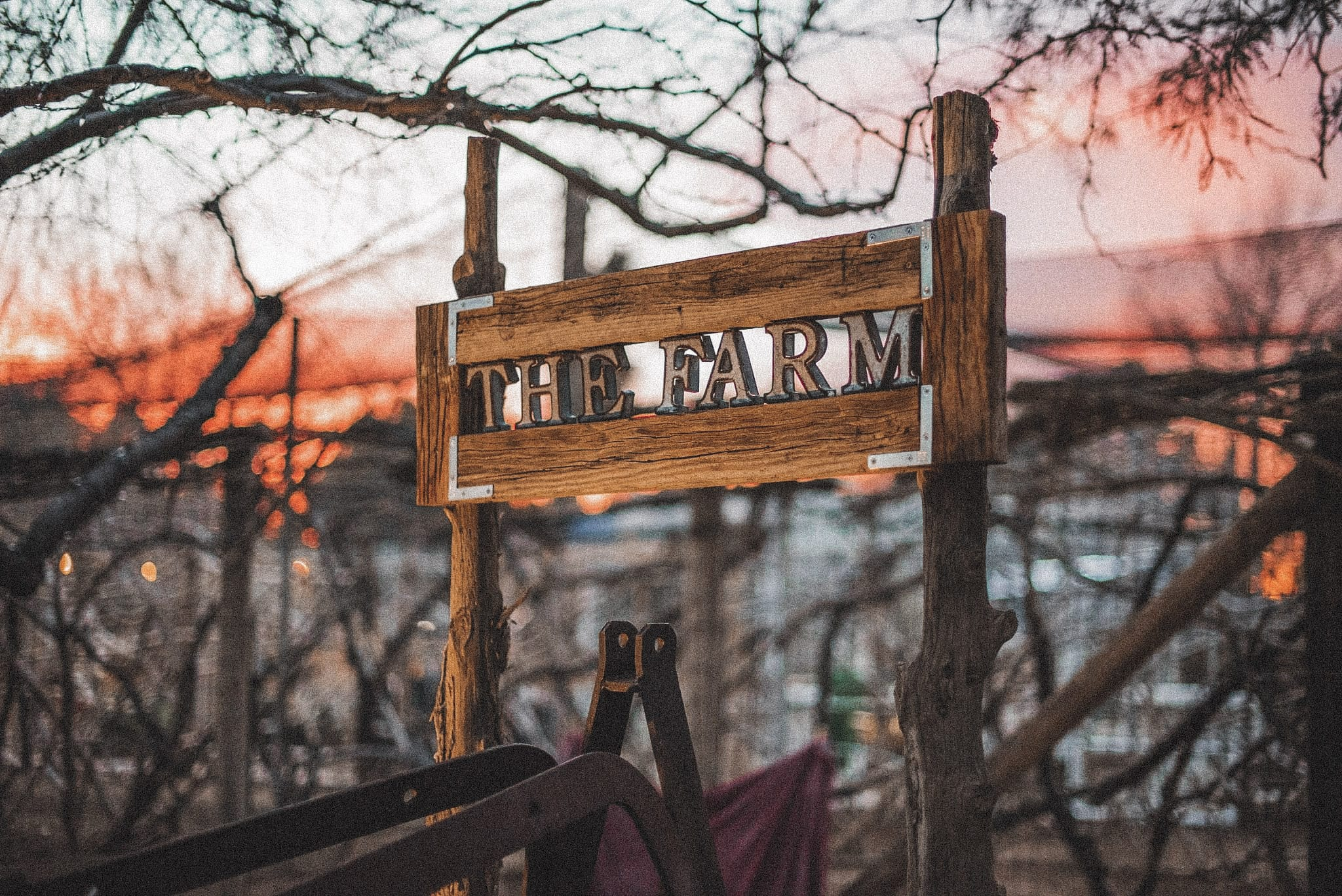 Garden-Farm-Sign-at-sunset2